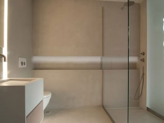 Salle de bain industrielle par Fugenlose mineralische Böden und Wände Industriel