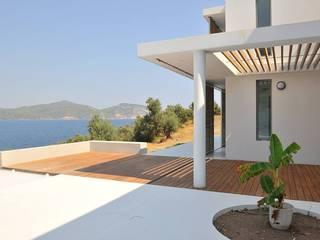 Fugenlose mineralische Böden und Wände Balcones y terrazas de estilo mediterráneo