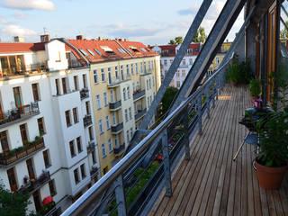 Teak Terrasse Berlin Balkon, Veranda & Terrasse von BioMaderas GmbH