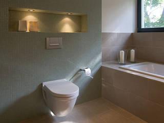Banheiros modernos por Design Moderno