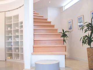 Haus S.:  Flur & Diele von Architekturbüro Riek