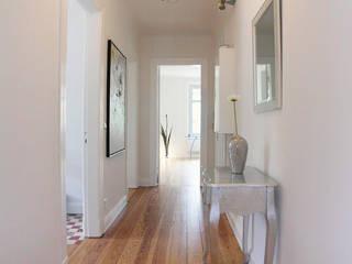 Modern Corridor, Hallway and Staircase by wohnhelden Home Staging Modern