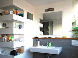 modern Bathroom by Peter Rohde Innenarchitektur