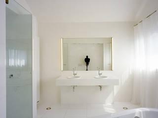 Bad:  Badezimmer von Architektur & Interior Design
