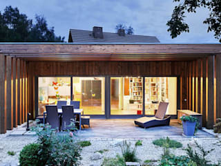 Wohnhaus M:  Terrasse von [lu:p] Architektur GmbH