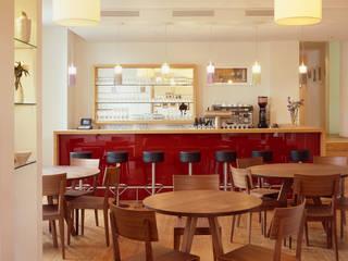 Restaurant Goldener Anker:  Esszimmer von Architektur & Interior Design