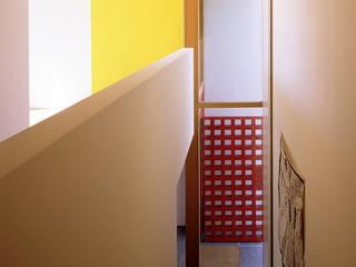 Villa L:  Flur & Diele von Architektur & Interior Design