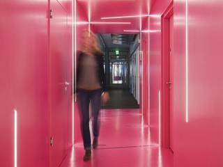 Google Office Düsseldorf:  Bürogebäude von LEPEL & LEPEL Architektur, Innenarchitektur,Industrial