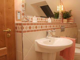 Bathroom by Fliesen Hiersemann,