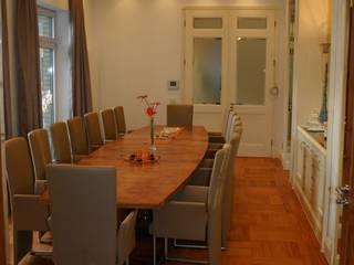 Salas de jantar clássicas por Wagner Möbel Manufaktur Clássico