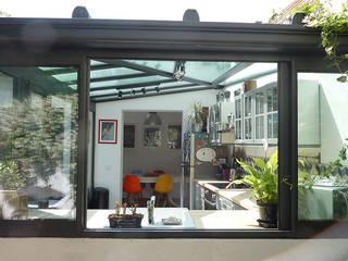 Villa Giulia _Cuisine: Cuisine de style  par MAAD Architectes