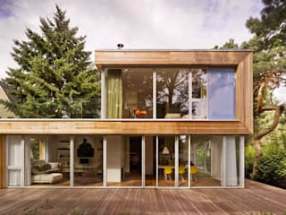 modern Houses by Innenarchitektur Berlin