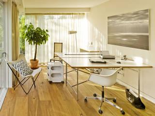 Modern study/office by Innenarchitektur Berlin Modern