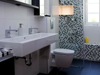 Baños modernos de Badkultur | Berlin Moderno