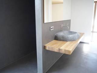 Bathroom by Manfred Weber Bodenbeläge UG