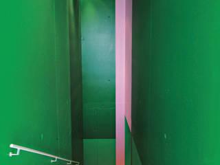 Modern corridor, hallway & stairs by LEICHT Küchen AG Modern