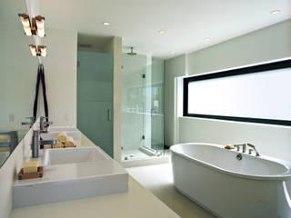 ห้องน้ำ โดย LEICHT Küchen AG,