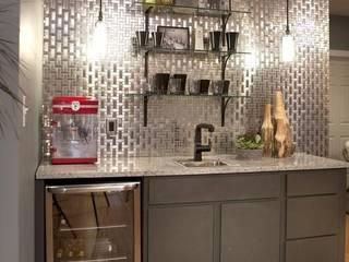 KITCHEN: modern Kitchen by Debra Carroll Interiors