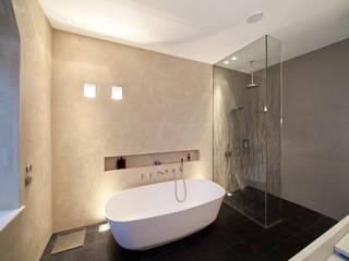Masterbad mit Mineralputz Moderne Badezimmer von Einwandfrei - innovative Malerarbeiten oHG Modern