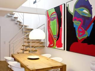 Aufgang zur Galerie:  Esszimmer von EINRAUMKONZEPT