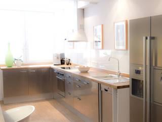 Maisonette Wohnung, Dortmund Moderne Küchen von EINRAUMKONZEPT Modern