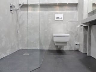 Wände mit Charakter Modern bathroom