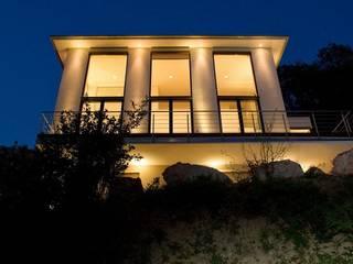Privatvilla Rheingau Moderne Häuser von ligthing & interior design Modern