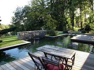 Koiteich in Hofheim Kirchner Garten & Teich GmbH Moderner Garten