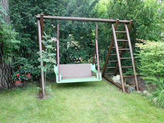 Hängebank DE VOLÉE : moderner Garten von Pool22.Design