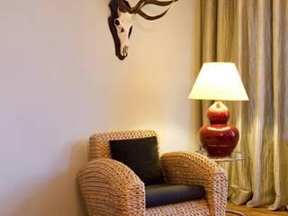 Wohnzimmer, livingroom:  Flur & Diele von EINRAUMKONZEPT