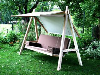 Pool22_Hollywoodschaukel aus Holz: moderner Garten von Pool22.Design