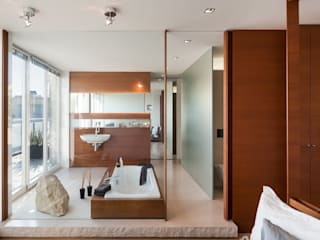 Bathroom by innenarchitektur-rathke,
