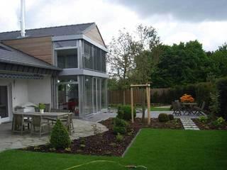 Wohnhauserweiterung in Viersen: ausgefallene Häuser von Klaus Schmitz-Becker Architekt