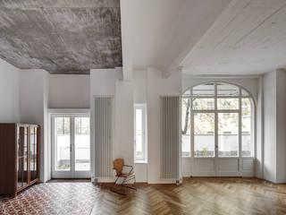 BOX 117:  Wohnzimmer von marc benjamin drewes ARCHITEKTUREN,Industrial