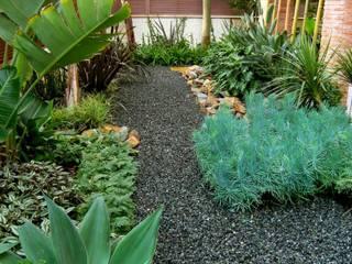 Moderner Garten von Simbiosi Estudi Modern