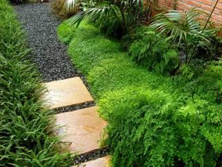 HOATZÍN Jardines de estilo moderno de Simbiosi Estudi Moderno