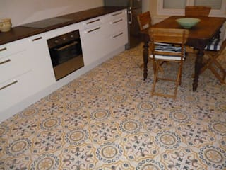 de estilo colonial por Crafted Tiles , Colonial