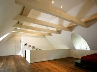 Architektur- und Innenarchitekturbüro Bernd Lietzkeが手掛けた寝室,