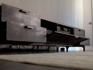 Igor Media & Storage Unit:  de estilo  de Noé Metal Design