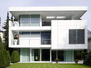 Villa im Walkmühltal Moderne Häuser von A-Z Architekten Modern