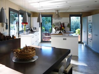 Kitchen by dom arquitectura, Modern