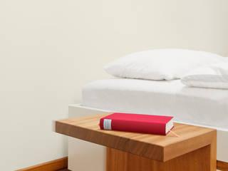 Die Möbel Manufaktur: minimalist tarz , Minimalist