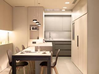 Sencillez visual de alta complejidad Comedores de estilo moderno de Coblonal Arquitectura Moderno