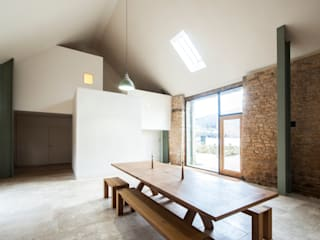 Ruang Makan oleh Designscape Architects Ltd, Rustic