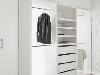 Begehbare Ankleide Moderne Ankleidezimmer von Die Möbel Manufaktur Modern