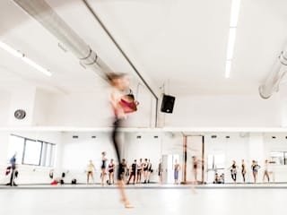 Balletto di Roma CAFElab studio Palestra in stile industriale