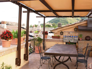 Terrazas de estilo  por Au dehors Studio. Architettura del Paesaggio