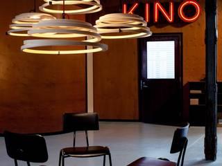 SECTO DESIGN Aspiro: moderne Wohnzimmer von Designort