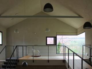 Picture House: Studio in stile  di Fabio Barilari Architetti