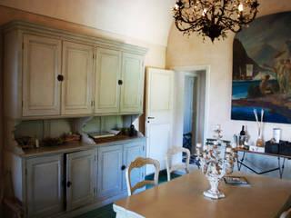 Restauro Villa antica a capri: Soggiorno in stile in stile Mediterraneo di Studio di architettura Claudio Stabile & Partners